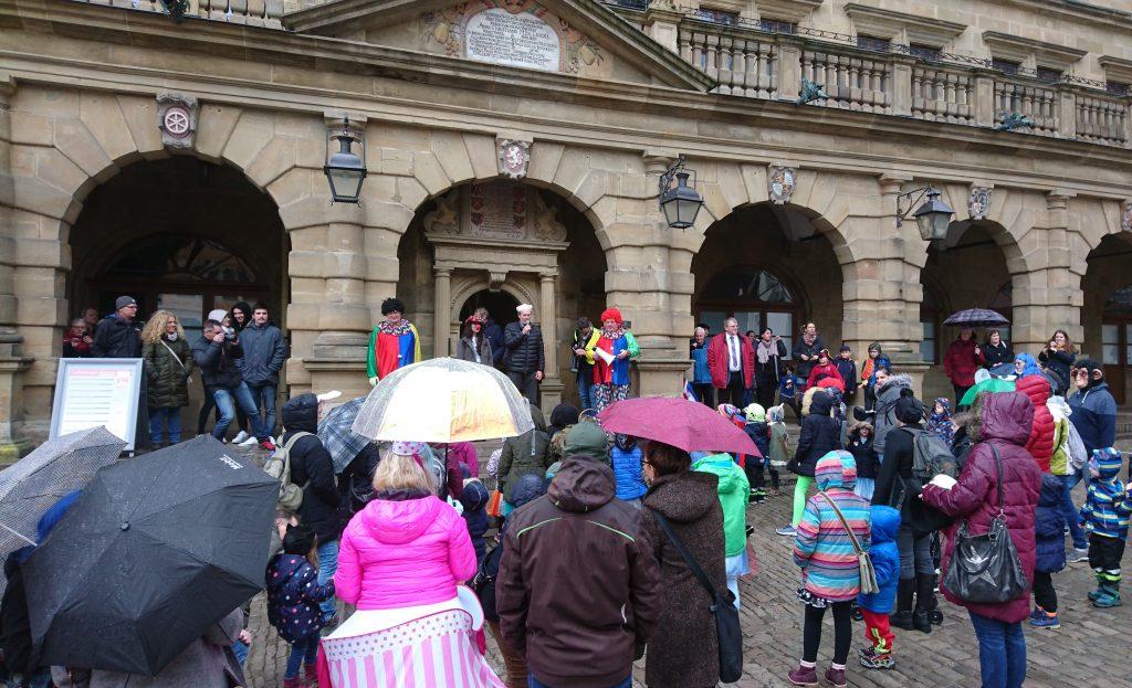 Kinderfaschingszug am Rathaus